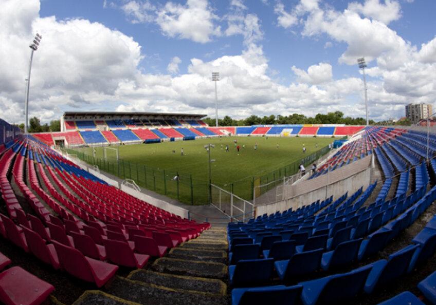 Stadionul din Buzău pare o copie fidelă a arenei din Ghencea