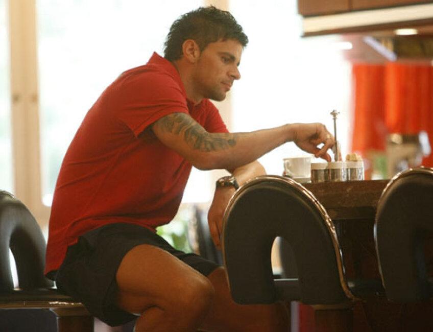 Iliev e fotbalistul de la Steaua cel mai chinuit de accidentări şi cel mai religios, cu ambele braţe tatuate cu mesaje creştine