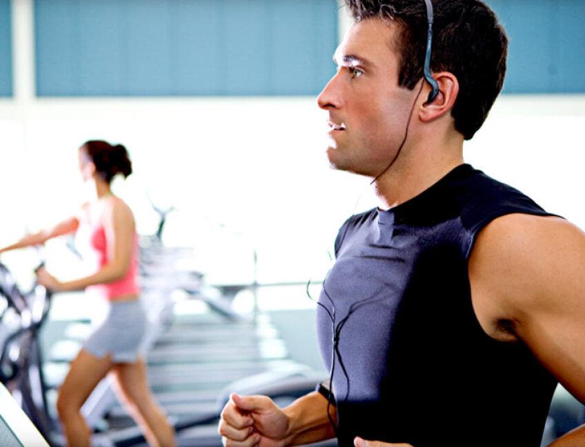 Exercitii pe banda de alergare sursa: niddriehealthclub.com