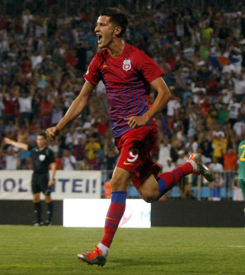 Contra Mioveniului, Mihai Costea a înscris golul de 2-0 şi a trimis o dată mingea în bară