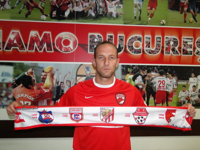 Dorel Stoica a semnat cu Dinamo foto:fcdinamo.ro