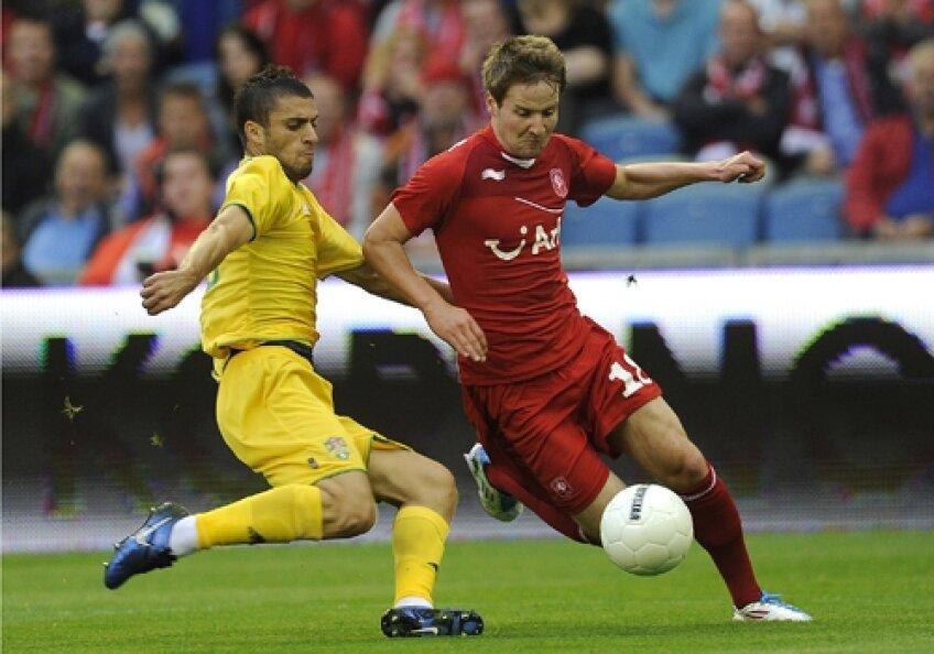 În tur, Twente s-a distrat cu Vaslui. A fost 2-0