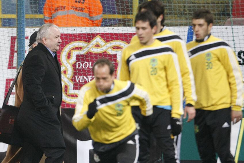 Adrian Porumboiu şi-a criticat dur jucătorii după meciul din Olanda. Singurii care au scăpat au fost Sînmărtean, Adailton şi Wesley