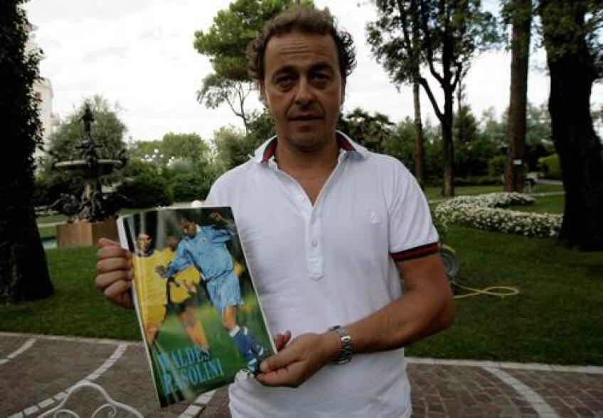 Paolini ţine ca amintire poza cu Lupescu din meciul San Marino - România 1-3