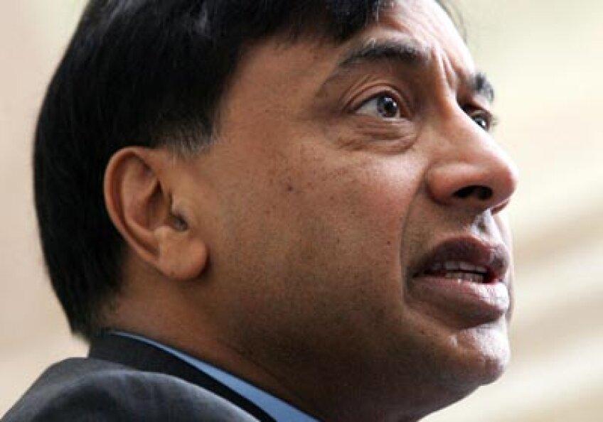 Lakshmi Mittal are probleme, însă averea sa fabuloasă îl ajută să se menţină pe linia de plutire