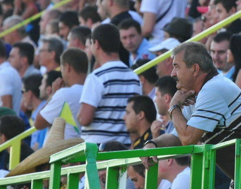 Ionuţ Popa a fost trimis în tribună de arbitrul Cristi Balaj