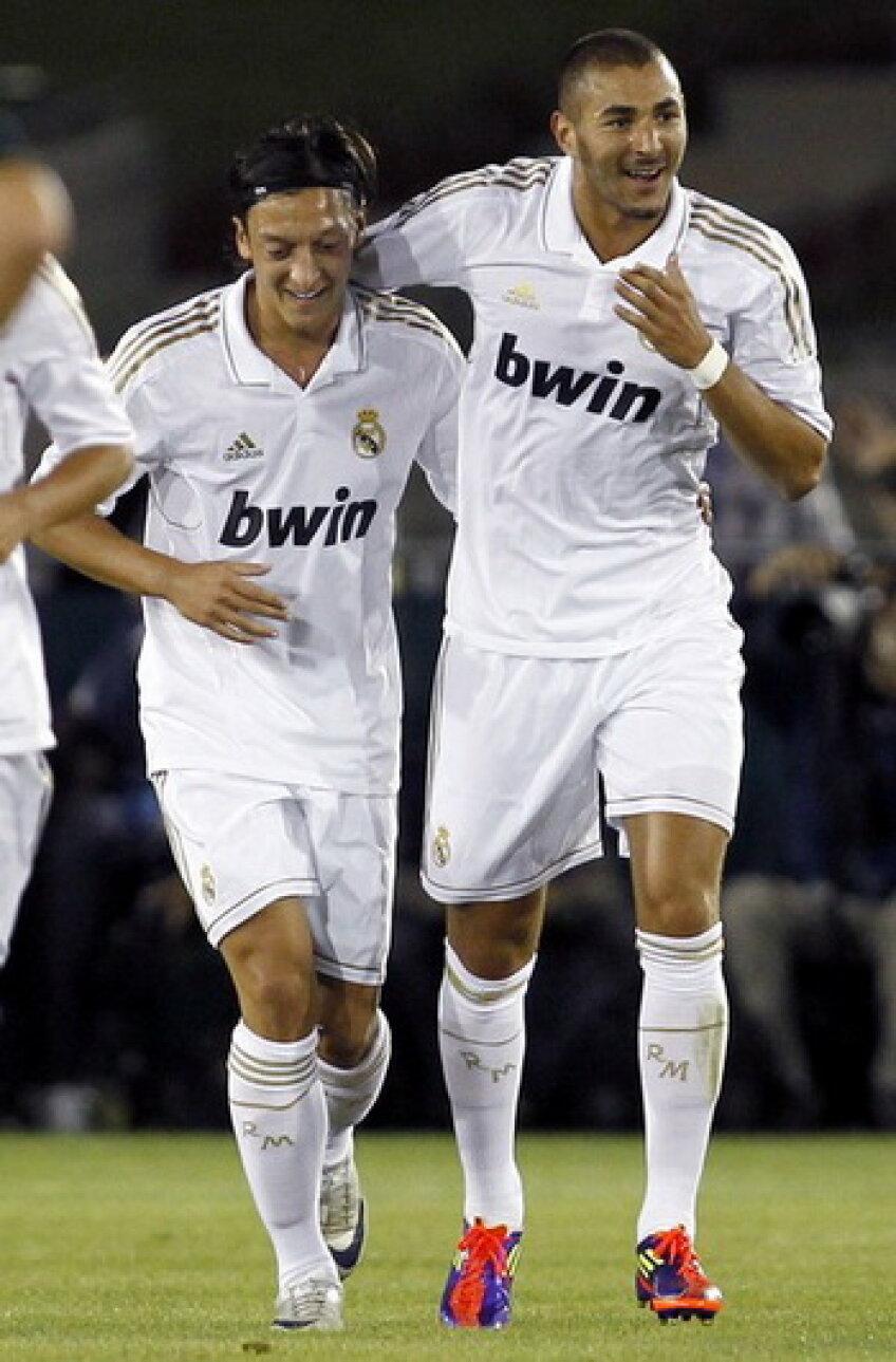 Benzema(dreapta) promite un retur spectaculos cu Barcelona în Supercupa Spaniei