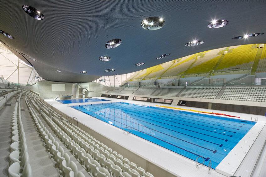 London Aquistics Center este gata cu un an înaintea Jocurilor Olimpice. foto: designboom.com
