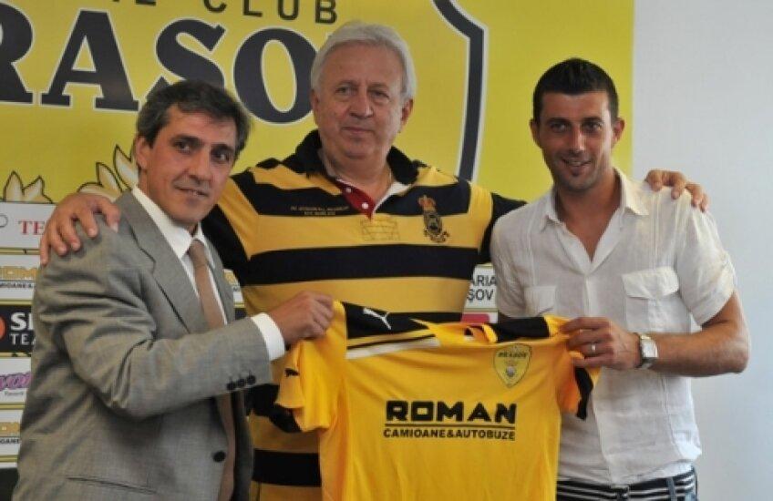 Jose Murcia (primul din stînga)