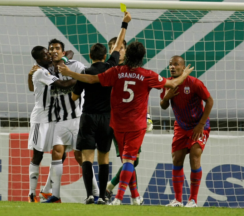 Momentul în care arbitrul Ovidiu Haţegan a dictat penalty