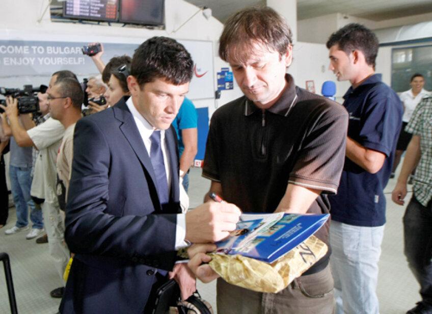 Tănase a fost aşteptat de un fan care dorea să obţină autograful stelistului