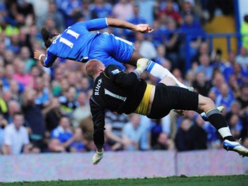 Drogba în duel cu portarul lui Norwich, Ruddy