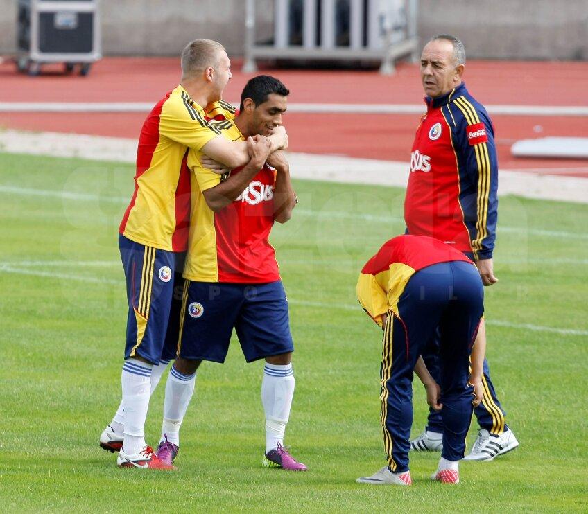 Antrenamentul României pe stadionul Josy Barthel s-a desfăşurat începînd cu ora 12:00 Au participat toţi jucătorii care au făcut deplasarea, inclusiv suspendatul Săpunaru, cel care va reveni în echipă contra Franţei