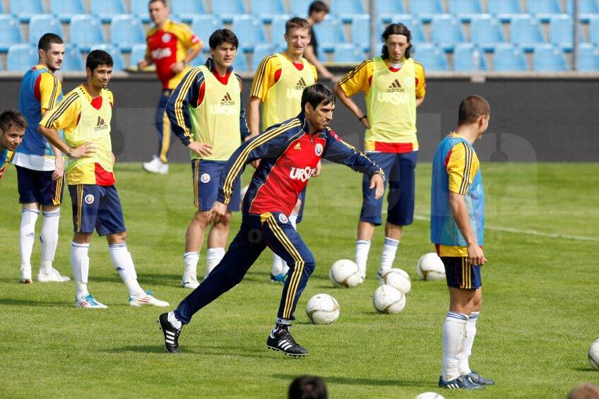 Victor Piţurcă a executat penalty-urile sub privirile admirative ale jucătorilor de la lot