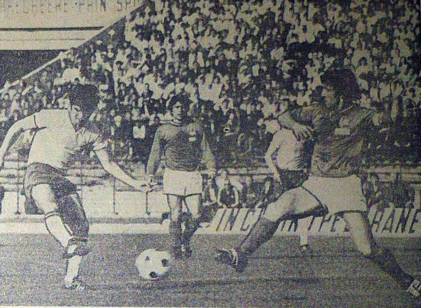 Anghel Iordănescu a marcat primul gol al partidei cu acest şut