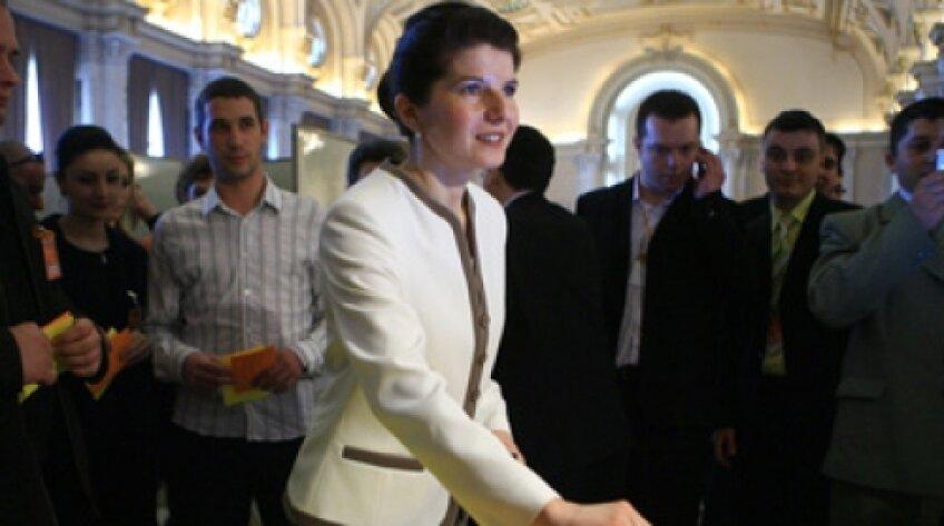 Monica Iacob Ridzi, la la ministru la inculpat