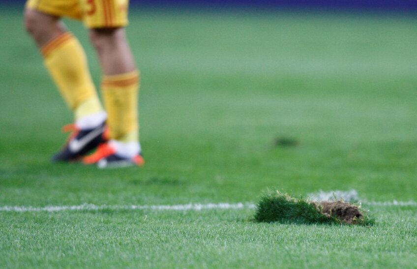 Gazonul de pe Național Arena la meciul România - Franța 0-0