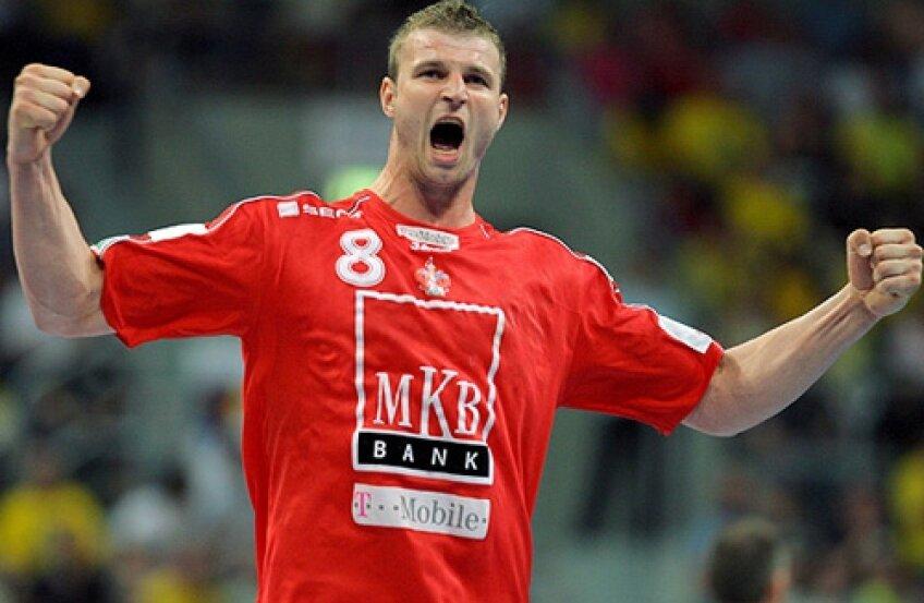 Marian Cozma în tricoul echipei MKB Veszprem