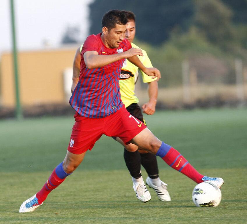 Florin Costea (26 de ani) va juca la Steaua cu numărul 7 pe spate, devenit celebru după ce l-a purtat Lăcătuş timp de 14 ani