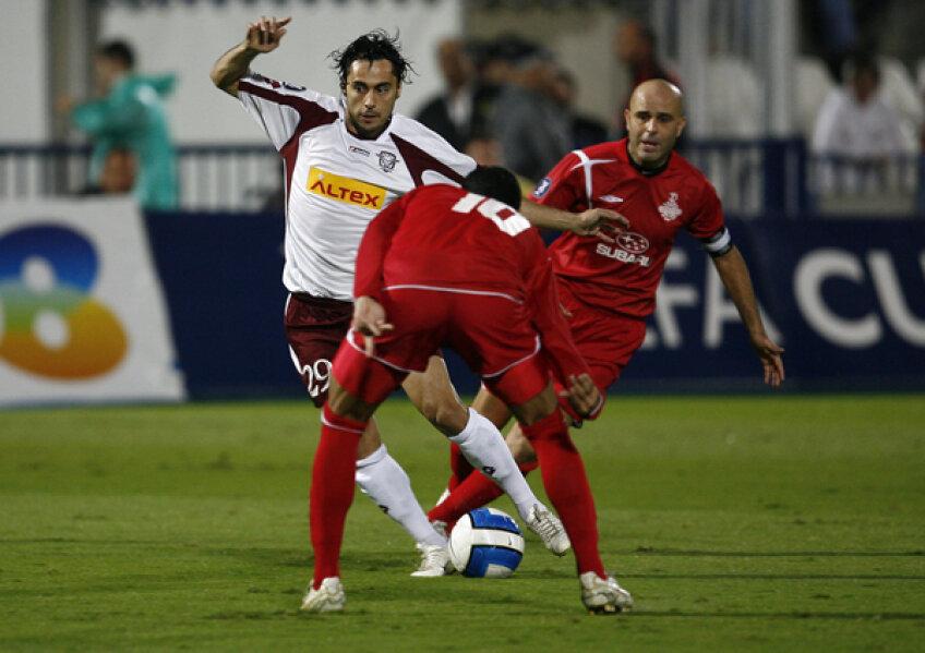 În cele 8 sezoane la Rapid, Perjă a cîştigat un titlu (2002-2003), trei Cupe (2002, 2006, 2007) şi trei Supercupe ale României (2002, 2003, 2007)