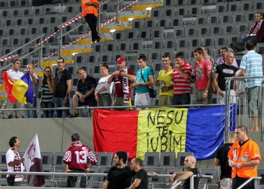 Suporterii români sînt alături de Mihăiţă Neşu