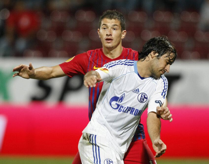Andrei Prepeliţă, în duel cu Raul Gonzales