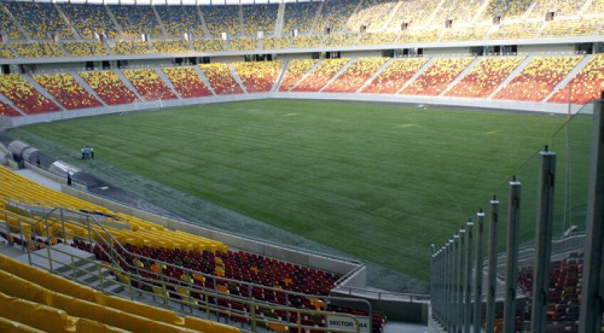 Noul gazon, de 210.000 de euro, montat în 12 ore, a fost testat şi ieri de furnizori şi de trimişii UEFA