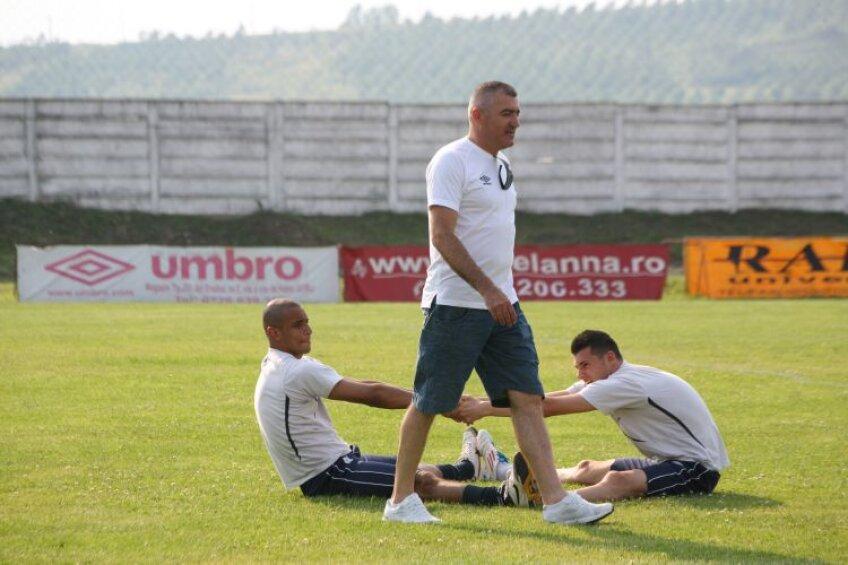 Grigoraş are trecut stelist, în sezonul 1989-1990 el jucînd în Ghencea