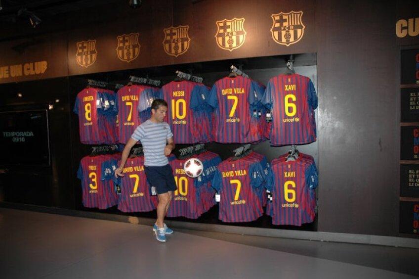 Cosmin Băcilă la Barcelona, la magazinul oficial al echipei sale favorite