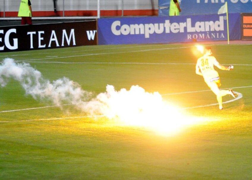 60.000 de euro este valoare totală pe care o au de plătit cei 397 de fani dinamovişti duşi la poliţie după meciul cu Rapid
