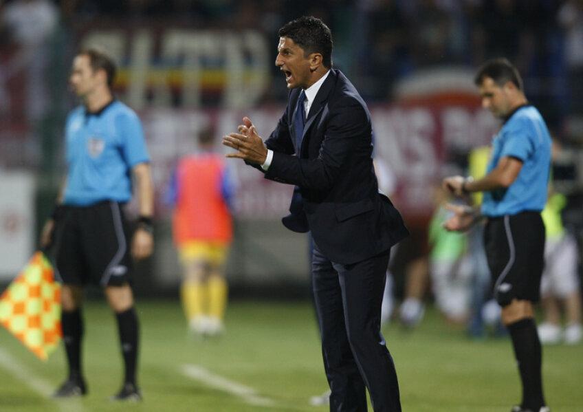 Răzvan Lucescu a urmărit repriza a doua a derby-ului cu Dinamo din gura tunelului de acces, după ce a fost eliminat pentru proteste