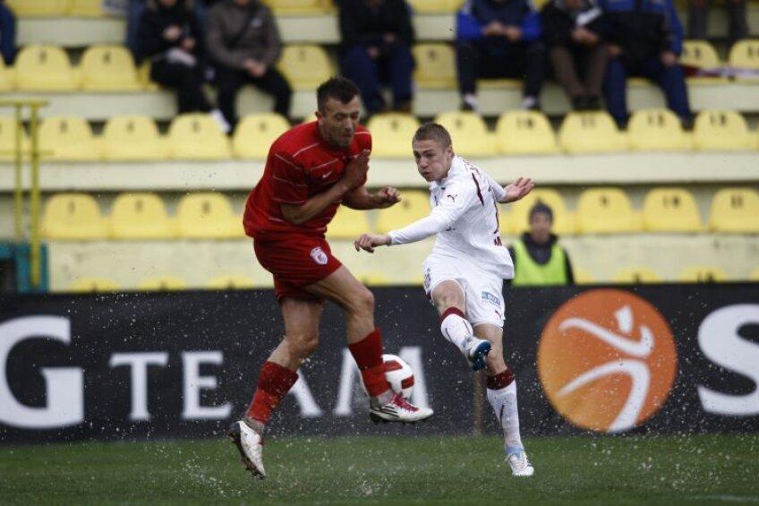Pentru calificarea în grupele Europa League, jucători precum Roman, care au dus greul sezonul trecut, au fost remuneraţi cu prima întreagă: 27.500 de euro