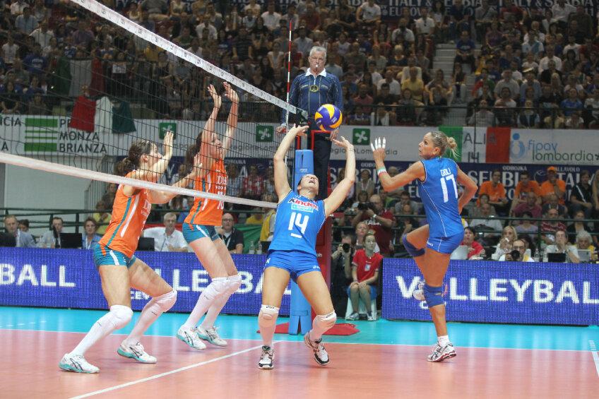 Italia nu a avut probleme în a se califica în semifinale foto: cev.lu