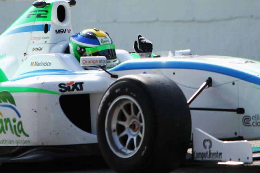 Monza i-a purtat noroc lui Mihai Marinescu. Monoposturile care se folosesc în Formula 2 sînt identice (monomarcă), fiind proiectate de Williams F1 Team şi au propulsoare Audi/ Montune de 500 CP