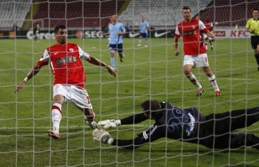 Dănciulescu s-a apropiat aseară la doar un gol de cota 200. FOTO Alex Nicodim