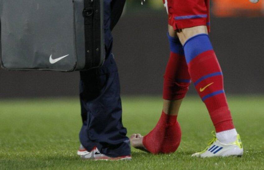 Mihai Costea a plecat de la Stadion cu o punga de ghiata la glezna dreapta
