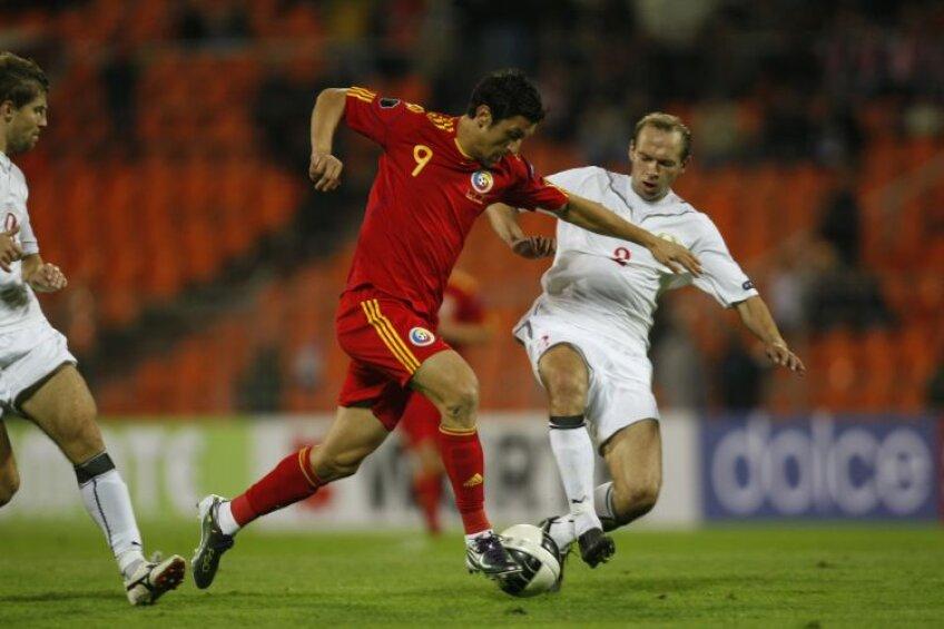 Imagine din meciul tur, încheiat la egalitate, 0-0