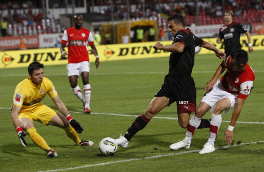 Derby-ul Dinamo-Rapid 0-0 a fost mai încins în afara gazonului decît pe teren
