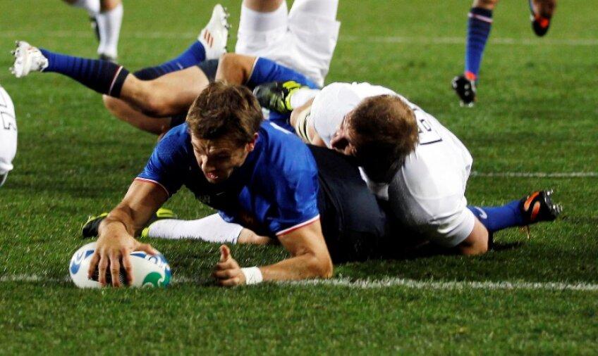 Francezul Vincent Clerc a reușit două eseuri în meciul cu Anglia Foto: Reuters