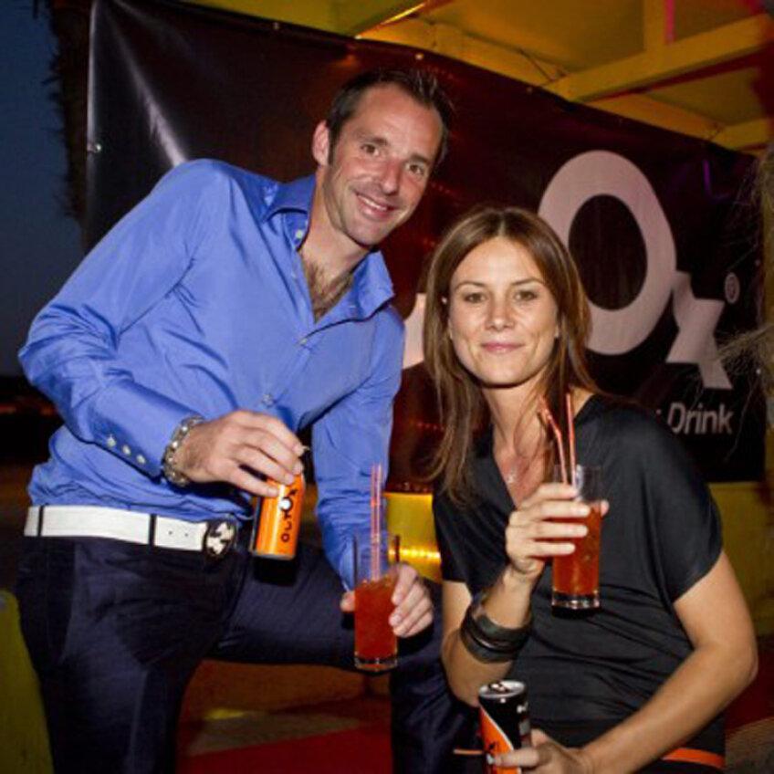 Bart Goor promovează băutura anti-mahmureală