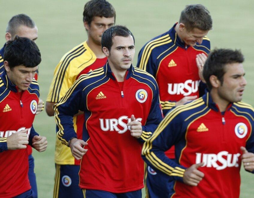 Bogdan Stancu (centru) la antrenamentul naționalei