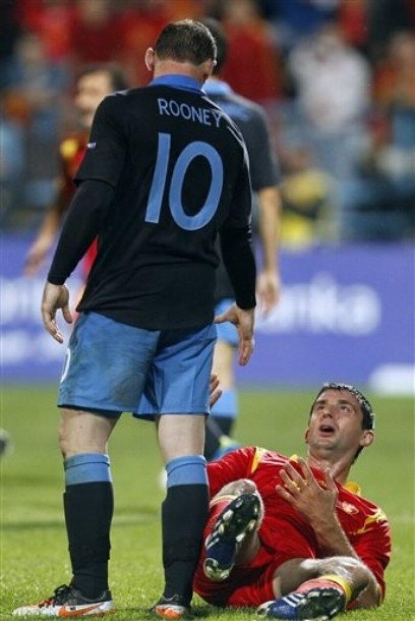 Rooney a fost eliminat cu Muntenegru după ce şi-a lovit un adversar