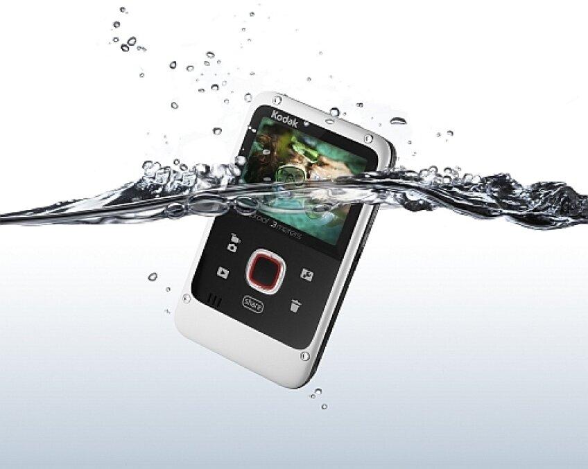 Kodak Playfull, waterproof si drop-proof sursa: photographyblog.com
