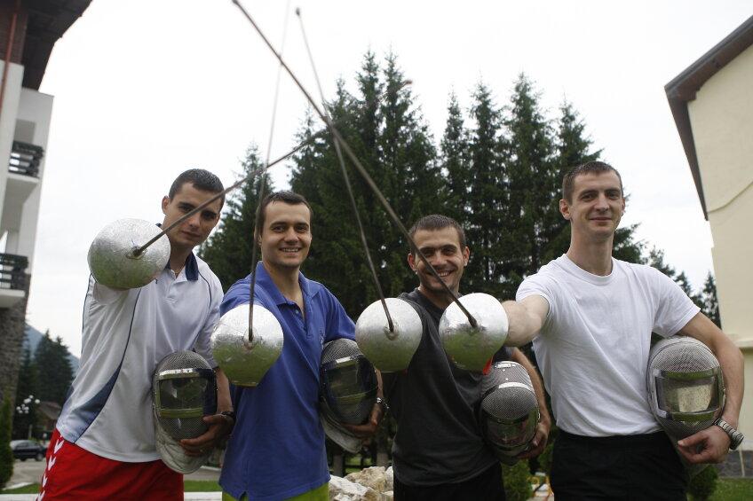 Sabrerii români s-au oprit în sferturi de finalăi Foto: Alex Nicodim