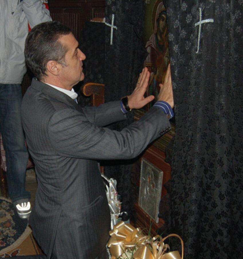 Dinu Gheorghe îl trimite pe Gigi Becali la biserică pentru a i se ierta păcatele pe care le face criticîndu-l