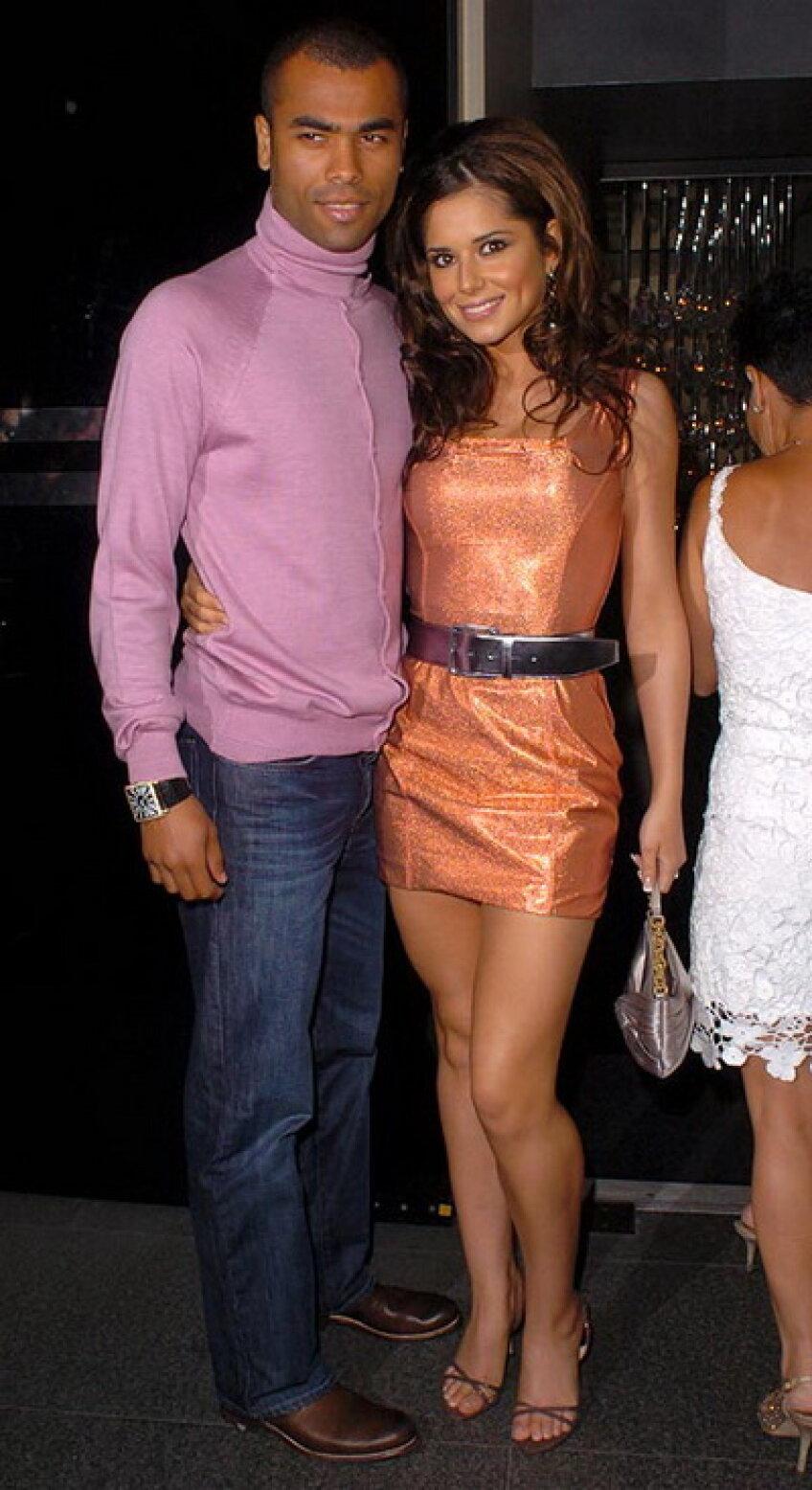 Ashley Cole se simte bine şi fără Cheryl