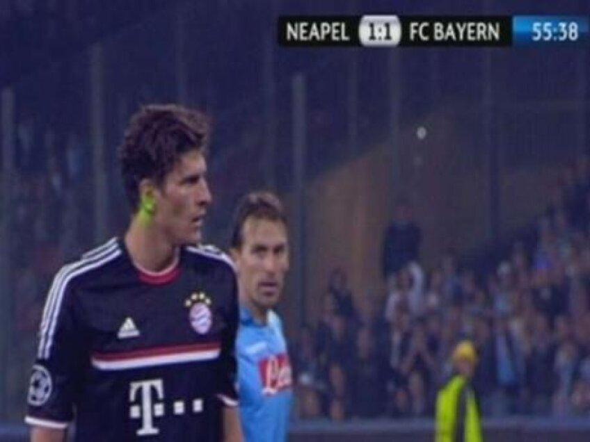 Mario Gomez le-a cerut scuze coechipierilor pentru penaty-ul ratat pe stadionul San Paolo, în Napoli-Bayern 1-1