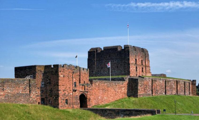 Castelul din Carlisle în care cercetătorii scoţieni susţin că s-ar fi organizat meciuri de fotbal în onoarea Reginei Maria a Scoţiei
