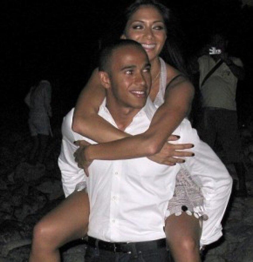 Lewis și Nicole s-au despărțit după trei ani de relație foto: autoracingdaily.com
