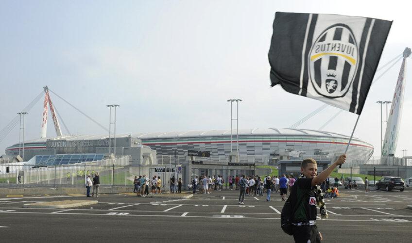 Satdionul lui Juventus a costat 130 de milioane de euro şi are 41.000 de locuri. Juve este singura echipă din Serie A cu propria arenă, celelalte aparţin primăriilor